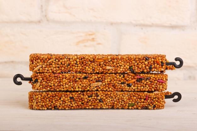 Honigkornstäbchen für vögel