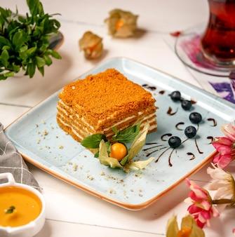 Honigkuchen auf dem tisch