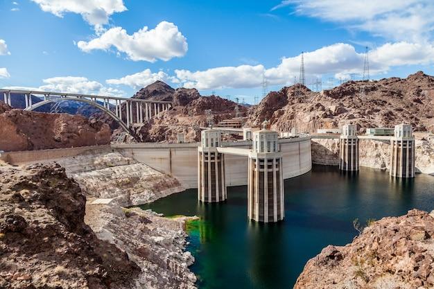 Hoover dam und die colorado river bridge arizona nevada usa