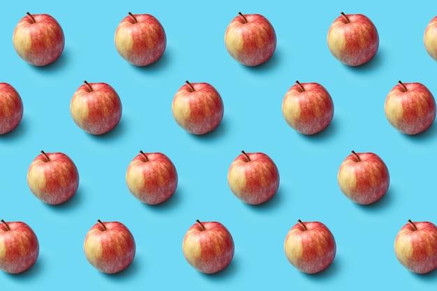 Horizontales fruchtmuster aus frisch gepflückten reifen natürlichen bio-äpfeln