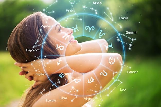 Horoskop-astrologie-tierkreisillustration mit jungem wooman