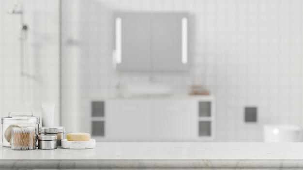 Hotelbadkonzept marmortischplatte und mockup-raum mit badeartikeln über dem badezimmer