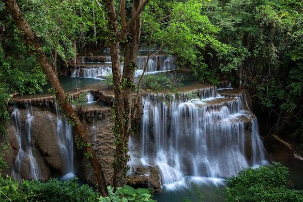 Huai mae khamin wasserfall in kanchanaburi