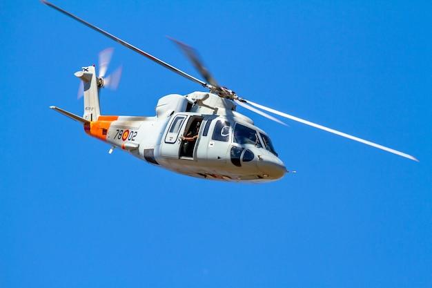 Hubschrauber sikorsky s-76c