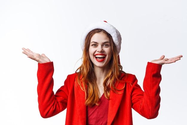 Hübsche frau weihnachtskostüm mode glamour phasing