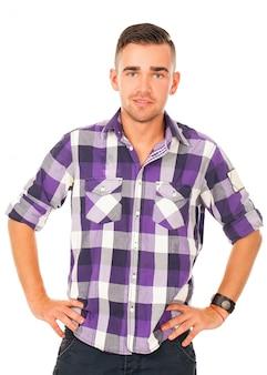 Hübscher kerl in einem hemd