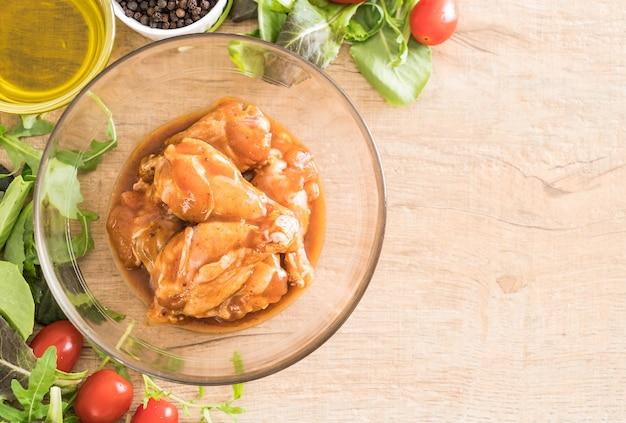 Hühnchen mit sauce mariniert
