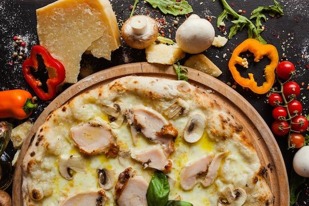 Hühnchen-pilz-pizza-diät-essgericht