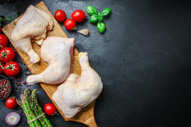 Hühnerbeine knochen rohes fleisch geflügel diätfutter
