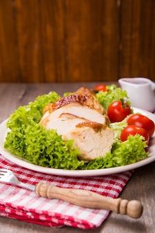 Hühnerfleisch und gemüse