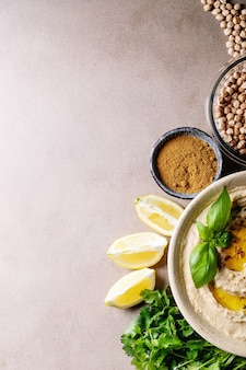 Hummus mit olivenöl