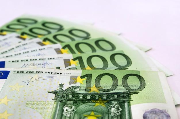 Hundert euro-banknoten
