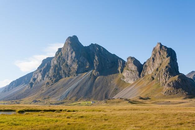 Hvalnes lavastrandlandschaft, wahrzeichen von ostisland