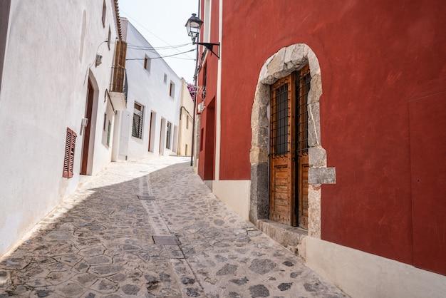 Ibiza eivissa im stadtzentrum gelegene dalt vila-fassaden