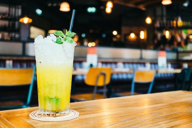 Iced saft cocktail trinkglas