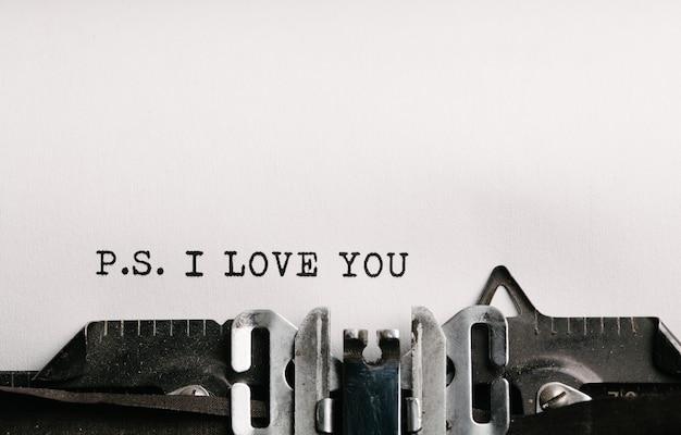 Ich liebe dich, geschrieben von einer schreibmaschine