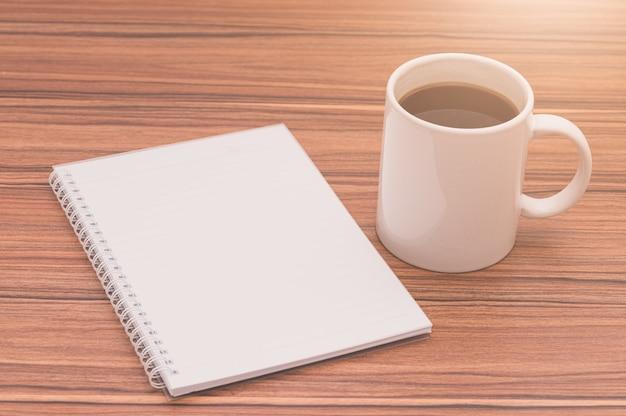 Ich liebe es zu lesen, bücher zu schreiben, kaffee zu trinken