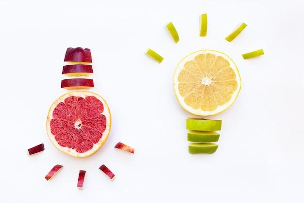 Idee. glühbirne aus grapefruit und apfel