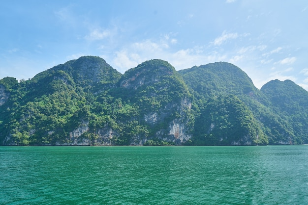 Idyllische seenlandschaft landschaft tourismus sonnenuntergang