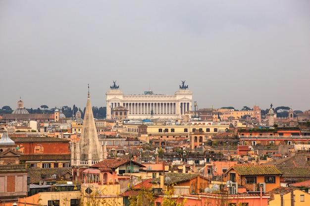 Il vittoriano, rom