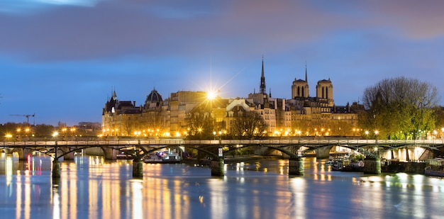 Ile de la cite und notre dame de paris cathedrale, frankreich