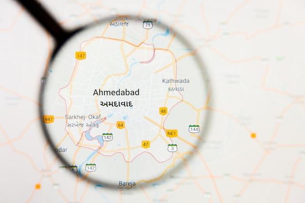 Illustratives konzept der stadtvisualisierung von ahmadabad, indien auf anzeigebildschirm durch lupe