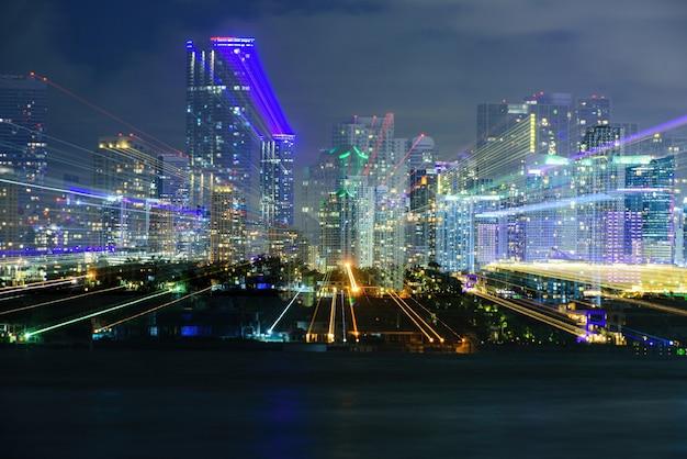 Im stadtzentrum gelegenes stadtbild von miami, florida, usa.