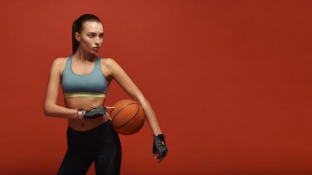 Im streben nach einer guten gesundheit wird die sportlerin trainieren