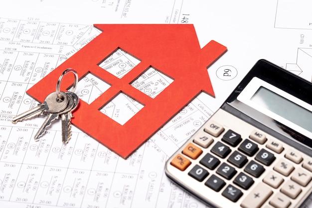 Immobilienbriefpapiermaterialien auf plan