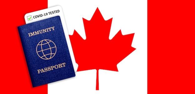 Immunitätspass mit covid-test auf der nationalflagge kanadas