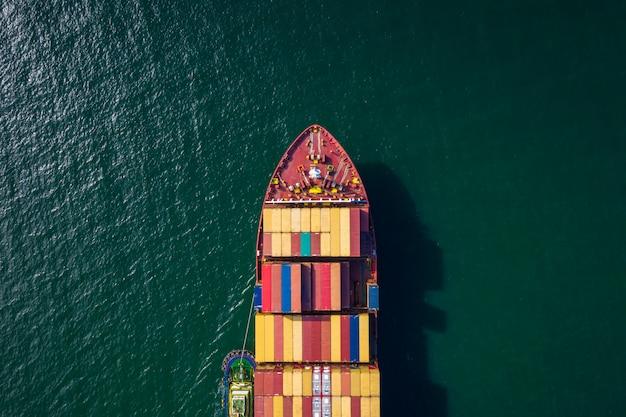 Import und export von containerschiffen und logistik versand fracht open sea transport internationale luftaufnahme