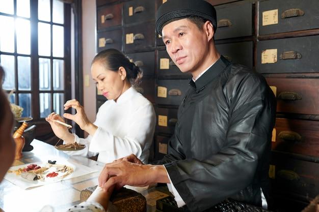 In der traditionellen asiatischen apotheke