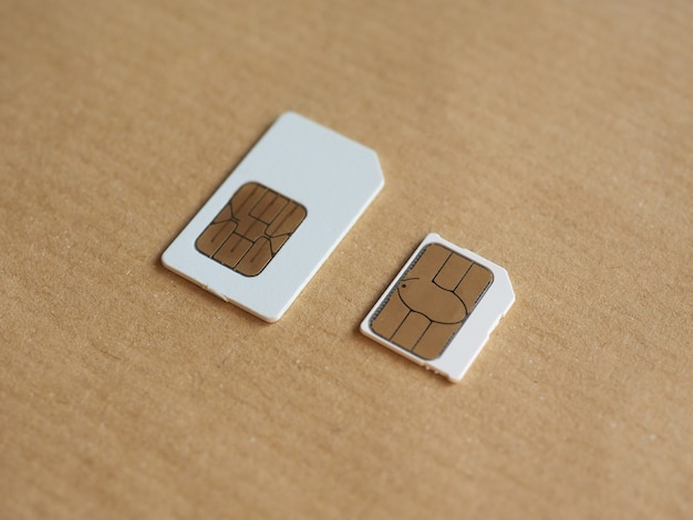 In telefonen verwendete sim- und usim-karte