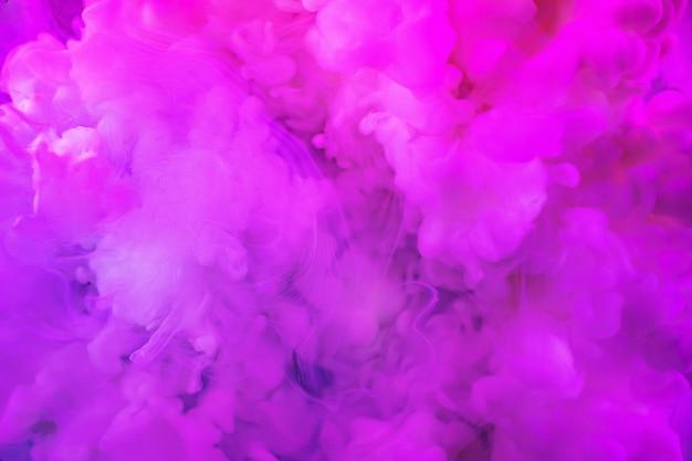In wasser gelöste farben mit einer wunderschönen, spektakulären unschärfe