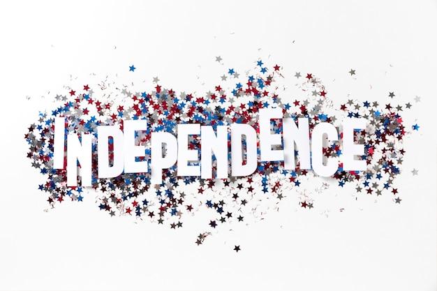 Independence day sortiment mit festlichen elementen