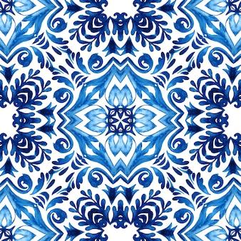 Indigoblauer damast nahtlose ornamentale aquarell arabeske farbe fliesen designmuster