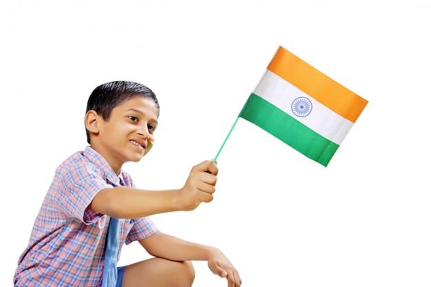 Indische flagge in der kinderhand
