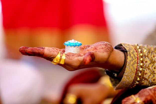 Indische hochzeit sindoor zeremonie