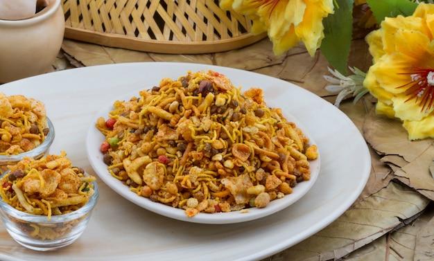 Indische küche mischung namkeen