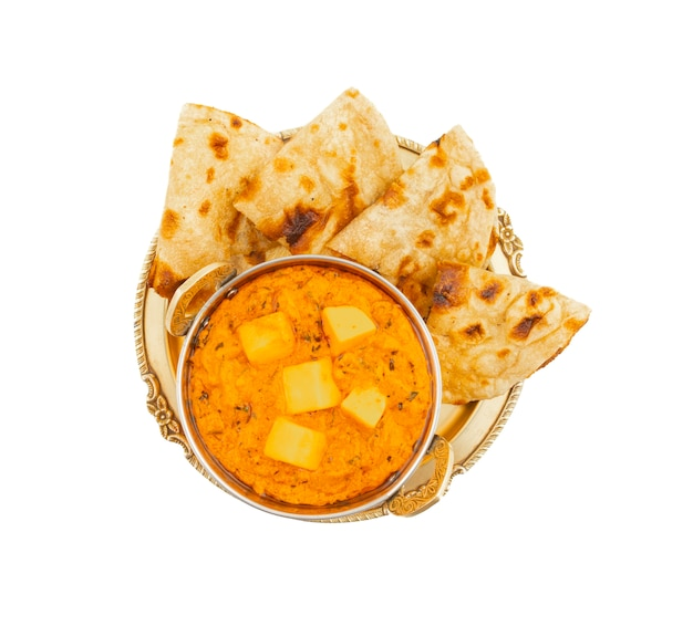 Indische populäre küche-käse-butter masala gedient mit tandoori roti