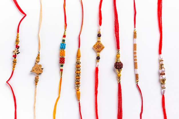 Indische rakhi-armbänder