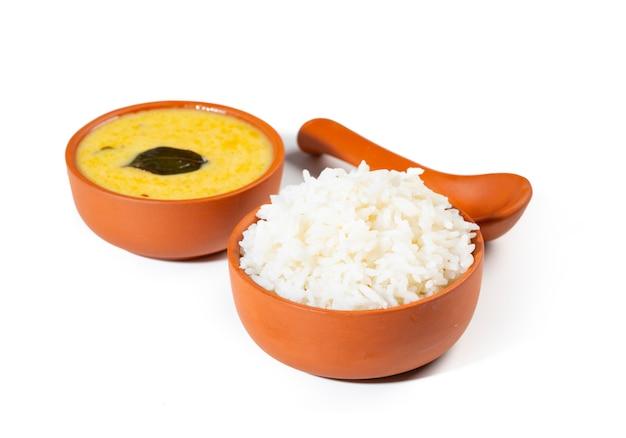 Indische traditionelle küche kadhi chawal