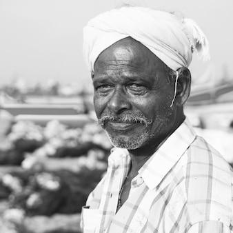 Indischer fischer kerela indien