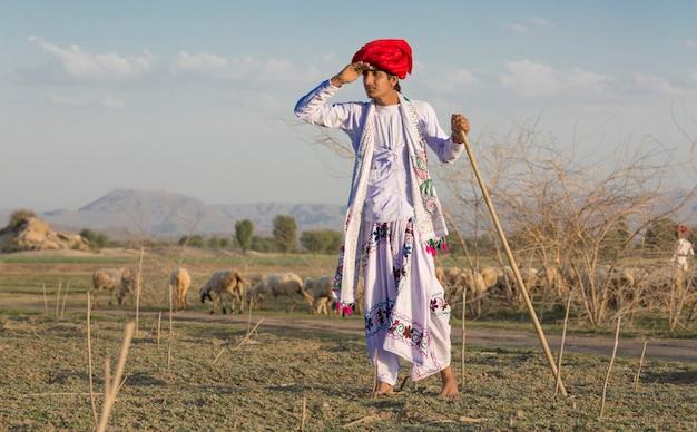 Indischer ländlicher junge