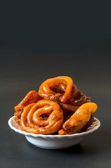 Indisches dessert jalebi