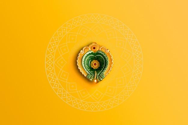 Indisches festival diwali, schöne tonöllampe für diwali-feier, lichterfest