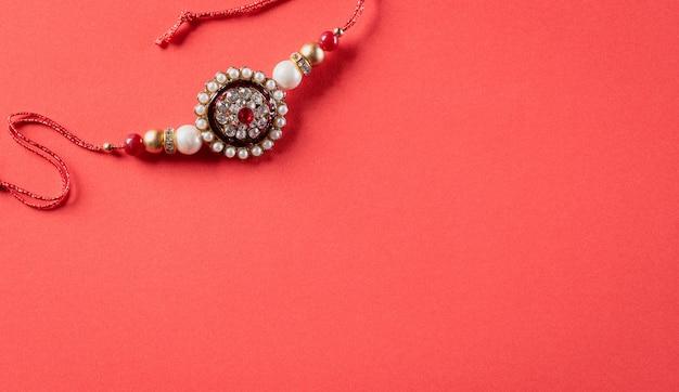 Indisches festival mit schönem rakhi