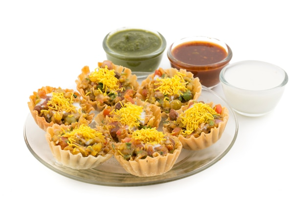 Indisches straßenessen sev puri