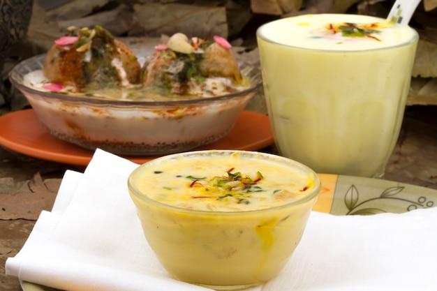 Indisches süßes essen rabri