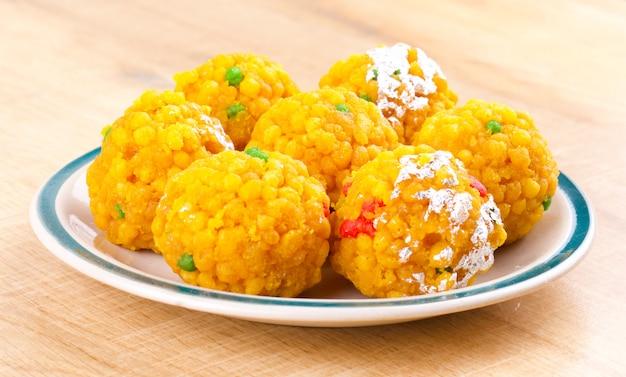 Indisches süßes lebensmittel laddu